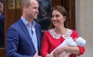 Kate Middleton y el Príncipe William presentan a su nuevo bebé