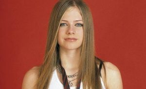 Avril Lavigne ahora sale con un magnate divorciado