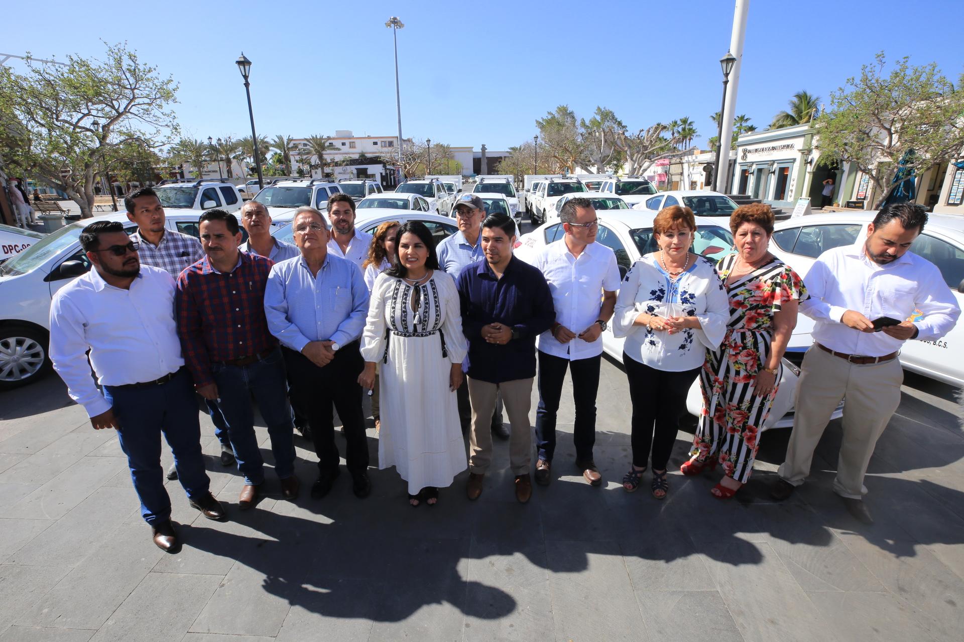 Estamos dotando de parque vehicular: Armida Castro