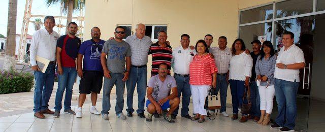 """""""No llegamos al gobierno para dar la espalda al pueblo""""; Víctor Castro"""