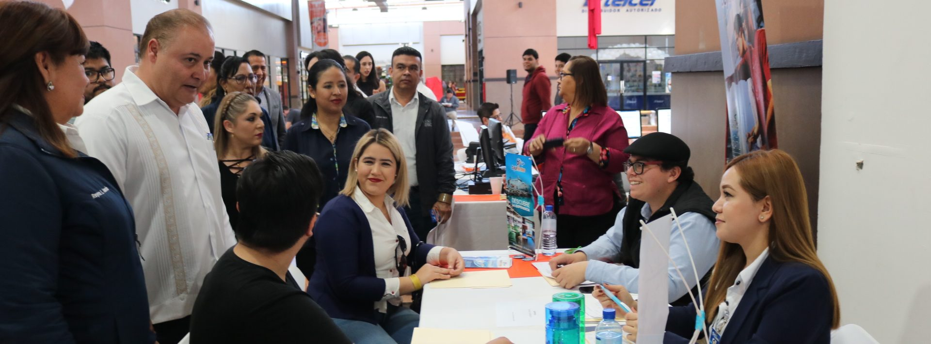 SE INAUGURÓ LA PRIMERA FERIA DE EMPLEO COMERCIAL Y DE SERVICIOS LA PAZ 2020